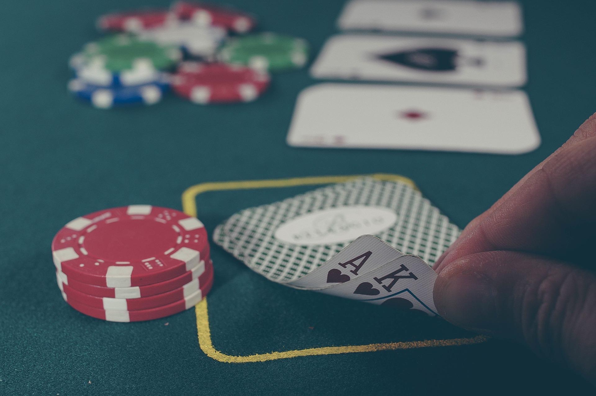心理戦だけじゃない!世界大会上位2%のプレイヤーが語るポーカーの魅力